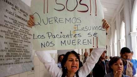 Nicolás Maduro utilizó a médicos cubanos y servicios de salud para obligar a pacientes a votar por él, según el NYT