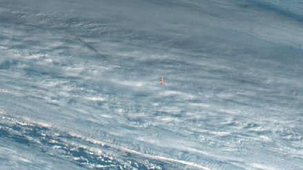 Meteoro que explotó sobre el mar fue fotografiado por un satélite