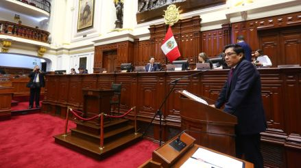 Vicente Zeballos se presenta ante el Congreso para responder interpelación por acuerdo con Odebrecht