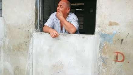 Trujillo | La vida de los vecinos que viven sin puertas ni ventanas en toda una calle por temor a los huaicos
