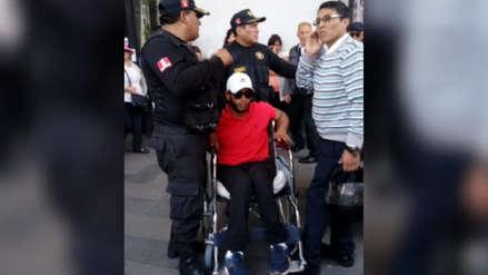Robó una silla de ruedas de centro comercial para pedir limosna en Arequipa
