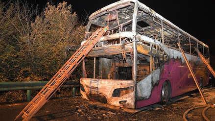 China | Un incendio en un autobús turístico causa 26 muertos