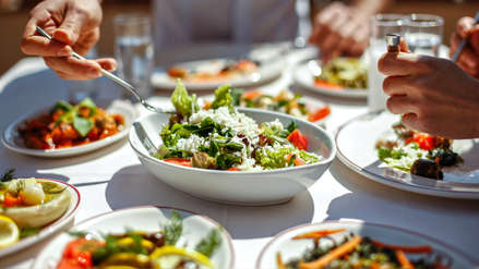 ¿Sin tiempo para cocinar? Cinco consejos de platos rápidos y nutritivos para tu familia