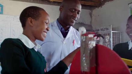 Un maestro de un pueblo remoto de Kenia fue elegido como el mejor profesor del mundo