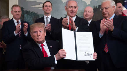 Donald Trump firma decreto que reconoce la soberanía de Israel sobre los Altos del Golán