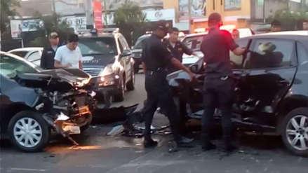 Choque frontal dejó dos heridos en San Juan de Lurigancho [VIDEO]