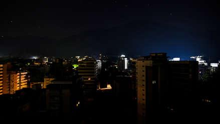 Gobierno de Nicolás Maduro suspende las clases y la jornada laboral en Venezuela por nuevo apagón