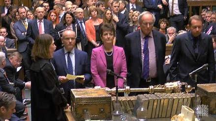 El Parlamento aprueba retrasar el Brexit más allá del 29 de marzo