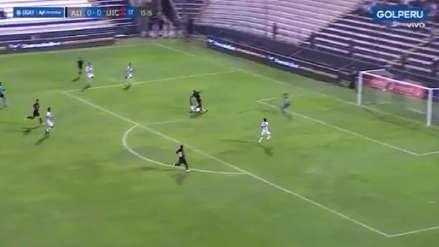 ¡Apagó el incendio! Wilder Cartagena y su fenomenal barrida para evitar un gol de UTC