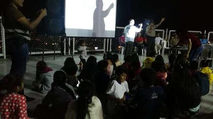 Policía proyecta películas para reforzar lazos familiares en zonas peligrosas de Trujillo