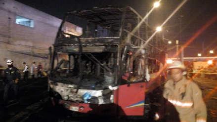 Seis familiares mueren durante incendio de bus en terminal informal