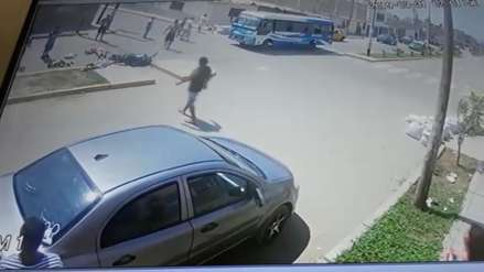Microbusero atropella a tres personas que iban en moto y se fuga en Trujillo