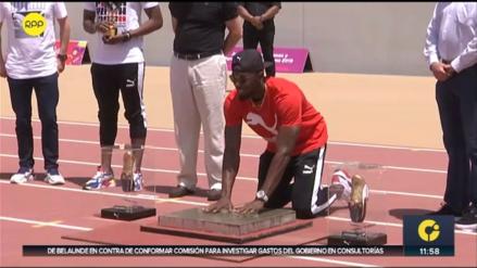 Usain Bolt dejó su huella en la nueva pista atlética de la Videna