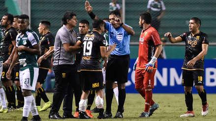 ¡Rojas por doquier! Diego Haro expulsó a 3 jugadores de Guaraní en su derrota ante Deportivo Cali