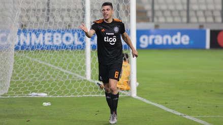 Otra vez solo en el área: el cabezazo de Rodrigo Rojas que selló la goleada de Olimpia ante Sporting Cristal