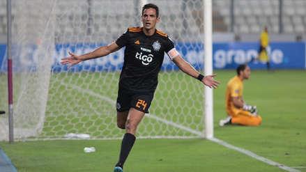 ¡Cabezazo y adentro! El gol de Roque Santa Cruz para poner en ventaja a Olimpia sobre Sporting Cristal