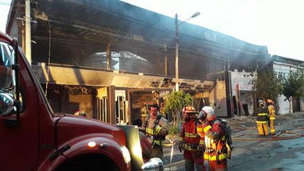 Arequipa | Incendio consumió un gimnasio esta madrugada en Yanahuara [Video]