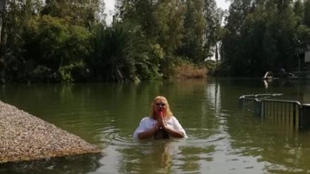 Susy Díaz se bautizó en el río Jordán:
