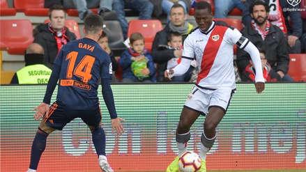 En la vuelta de Luis Advíncula al titularato, Rayo Vallecano venció a Valencia en condición de local