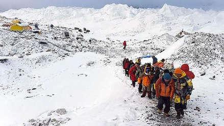 Nepal envía expedición para volver a medir la altura del Monte Everest