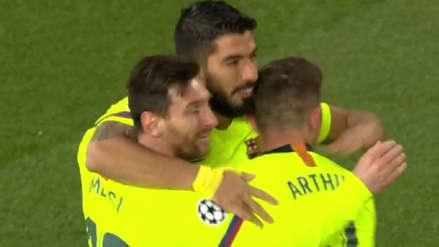 Barcelona anota el primer gol ante Manchester United con polémica por el VAR