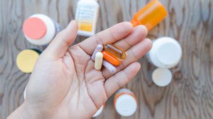 Alto consumo de vitaminas B6 y B12 aumenta en 50% más el riesgo de padecer fracturas de cadera en mujeres