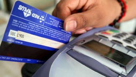 ¿Pagaste con tarjeta de débito y no te pidieron clave? Aquí la respuesta