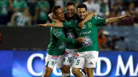 León goleó 3-0 al Puebla y registra récord de 11 triunfos seguidos en la Liga MX