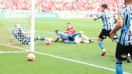 ¡Por poco! La ocasión de gol de Paolo Guerrero que terminó en una gran atajada del arquero de Gremio