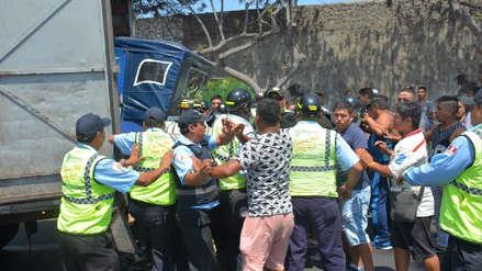Vecinos atacaron a personal de Fiscalización de Surco para evitar incautación de mototaxi