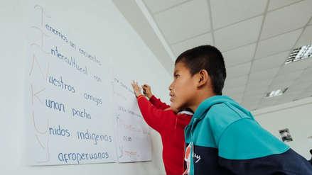 Solo el 10% de estudiantes de escuelas interculturales bilingües comprenden lo que leen