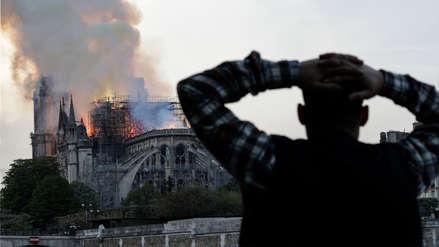 Incendio en Nortre Dame: Un equipo intenta