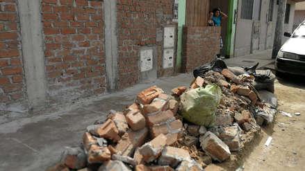Gastaron cerca de 1 200 soles: Vecinos derriban muros que construyeron para protegerse de los huaicos
