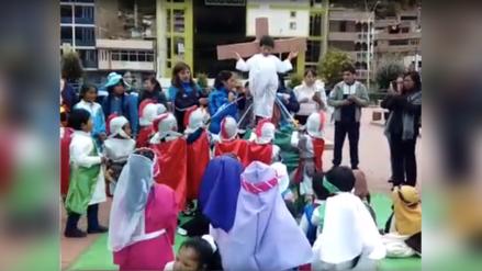 Semana Santa   La escenificación del vía crucis hecha por más de 40 niños en Huancavelica