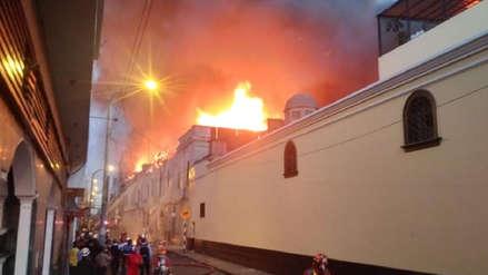 Mesa Redonda: Municipalidad de Lima pide evacuar centro de Lima por incendio