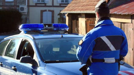 Francia | Un niño de 5 años apuñaló gravemente a su primo tras pelea por unos caramelos