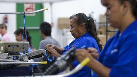 Un 36 % de los empleados en el mundo trabaja en exceso, según la OIT