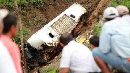 Un bus cayó a un precipicio en Bolivia y dejó al menos 17 muertos