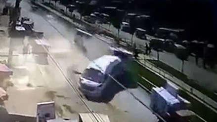 Jicamarca: Un camión fuera de control chocó contra cuatro combis y deja varios heridos