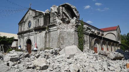 Veinte imágenes que muestran la destrucción en Filipinas un día después del terremoto