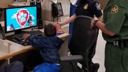Agentes de EE.UU. rescataron a niño inmigrante con nombre y teléfono escritos en sus zapatos