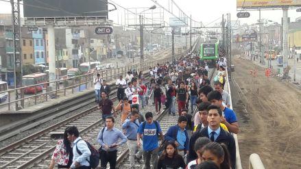 Vagón del Metro de Lima quedó varado cerca de la Estación Atocongo debido a falla eléctrica