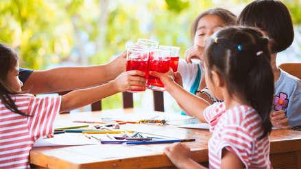 Uno de cada cinco niños no se hidrata con agua sino con bebidas azucaradas en Estados Unidos