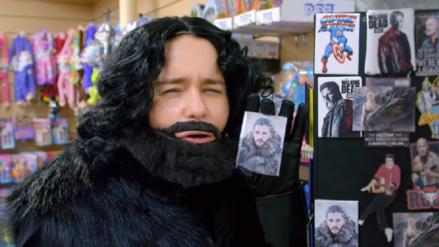 Sí, Emilia Clarke paseó por Nueva York disfrazada de Jon Snow