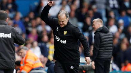¡Insólito! Marcelo Bielsa ordenó a los jugadores del Leeds United dejarse anotar tras marcar un polémico gol