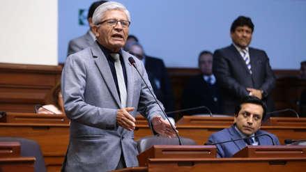 El congresista Jorge Castro es acusado de exigir pagos indebidos a sus trabajadores
