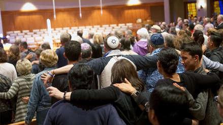 Autor de tiroteo a sinagoga en EE.UU. dijo que se inspiró en ataque a mezquitas en Nueva Zelanda