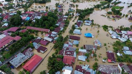 Indonesia: Al menos 17 muertos y 9 desaparecidos por inundaciones