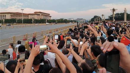 """""""Modo joven"""": China obligará a desarrolladores a incluir un modo que restrinja el tiempo de uso de un teléfono"""