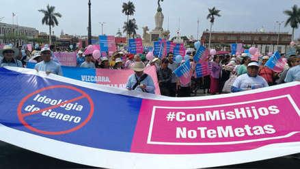 Elmer Huerta desmiente las teorías de conspiración que más perjudican a la salud mundial